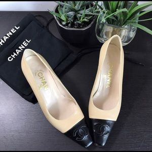 Chanel 2-tone Cap Toe CC Beige Black Mid Heel